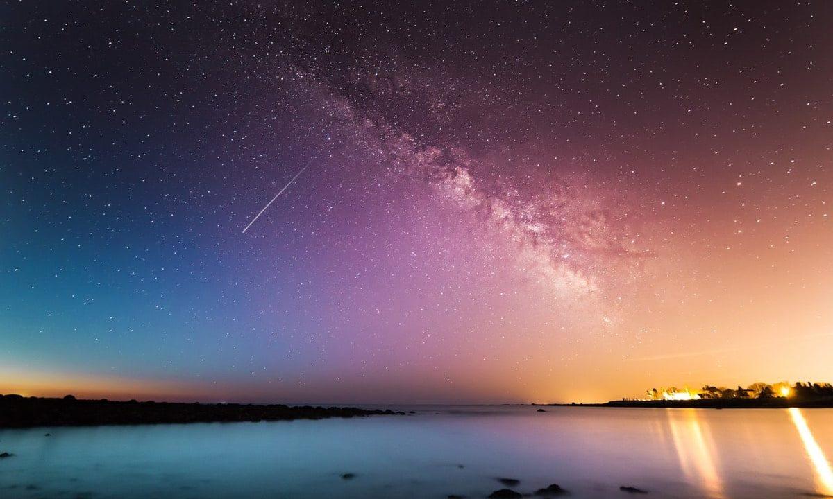 星が広がる夜空